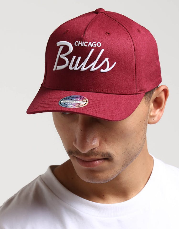 detailed look 9621d ec807 Mitchell   Ness Chicago Bulls Basic Script 110 Snapback Maroon White –  Culture Kings