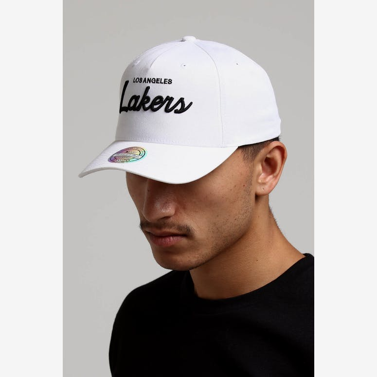 Mitchell   Ness Los Angeles Lakers Basic Script 110 Snapback White Bla –  Culture Kings d5c4857001ac