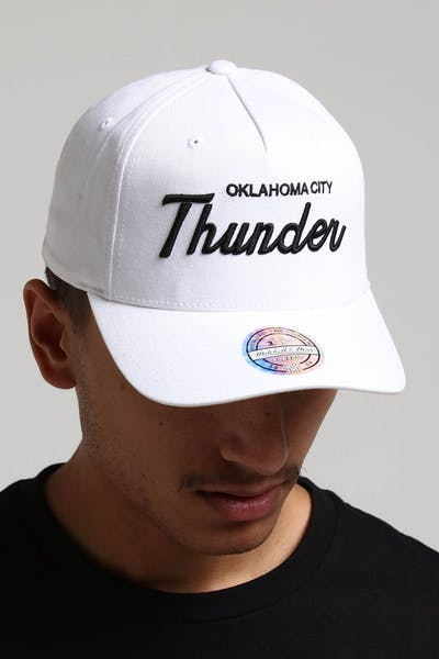 07f6c705a3ef1 Mitchell   Ness Oklahoma City Thunder Basic Script 110 Snapback White Black