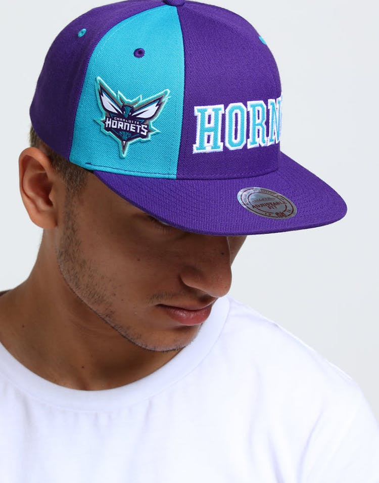outlet store 57321 8b71e Mitchell   Ness Charlotte Hornets Hexagon Snapback Purple Teal – Culture  Kings