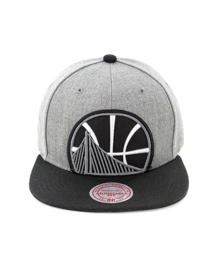 detailed look cf380 438cc Mitchell   Ness Golden State Warriors Crop XL Snapback Grey – Culture Kings