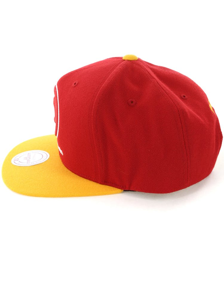 competitive price 9d87e 5ee56 Mitchell   Ness Atlanta Hawks Satin Fused Snapback Red Yellow