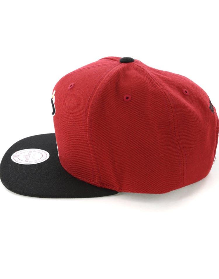 new style 465be e7bc8 Mitchell   Ness Miami Heat Satin Fused Snapback Red Black