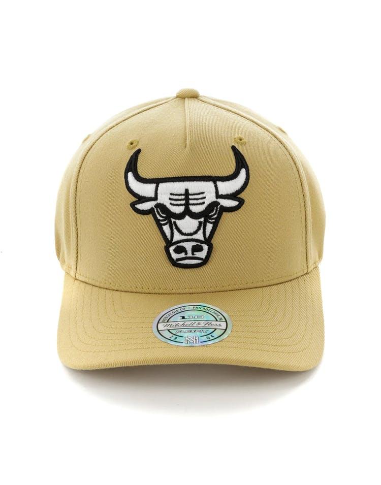 610d5c440 Mitchell & Ness Chicago Bulls 110 Pinch Panel Snapback Wheat