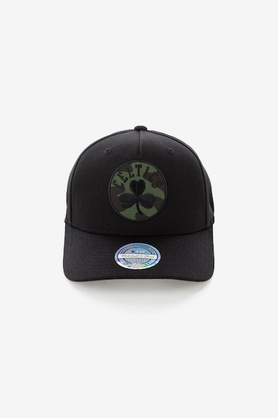 Mitchell & Ness Boston Celtics 110 Pinch Panel Snapback Black/Camo