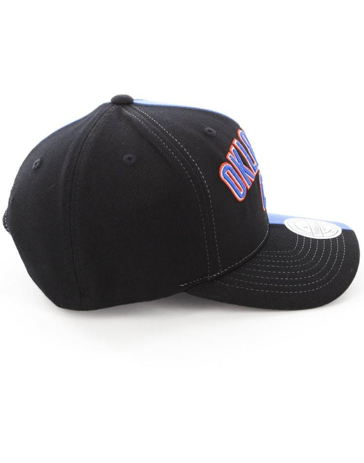 lowest price b05ba db9ee Mitchell   Ness Oklahoma City Thunder Pinch 110 Half   Half Snapback  Black Blue