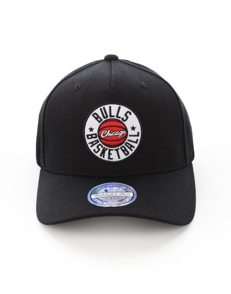 86ffb4598c3 Mitchell   Ness Chicago Bulls Full Court Logo 110 Flex Snapback – Culture  Kings