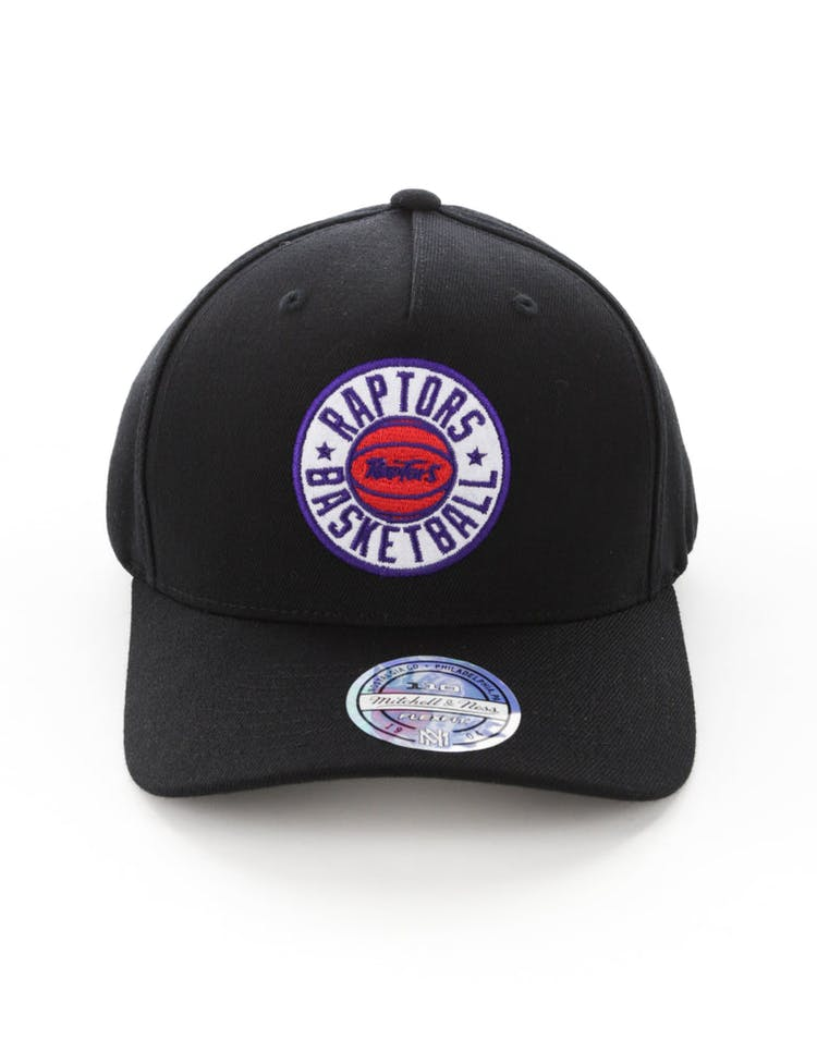 f682fb74133d4d Mitchell & Ness Toronto Raptors Full Court Logo 110 Flex Snapback Blac –  Culture Kings