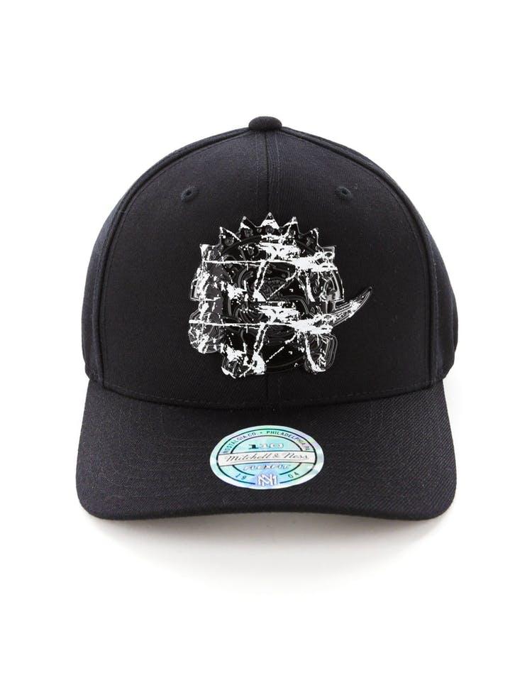 new styles 69df9 c1891 Mitchell   Ness Toronto Raptors 110 Flex Snapback Black Marble – Culture  Kings