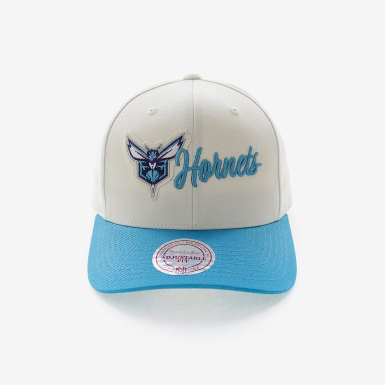 1bccface364 Mitchell   Ness Charlotte Hornets Vintage 110 Snapback Vintage Off Whi –  Culture Kings