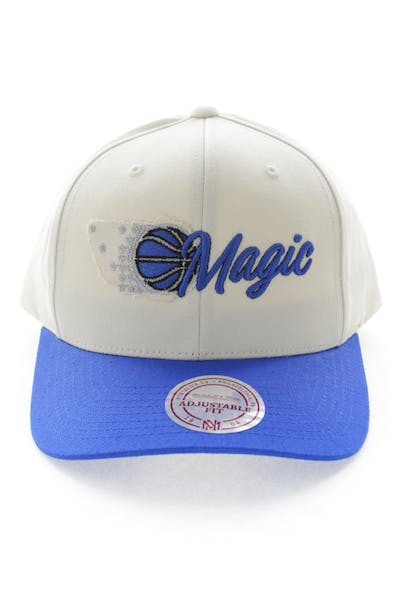 reputable site 7cf59 510d1 Mitchell   Ness Orlando Magic HWC Vintage 110 Snapback Vintage Off White