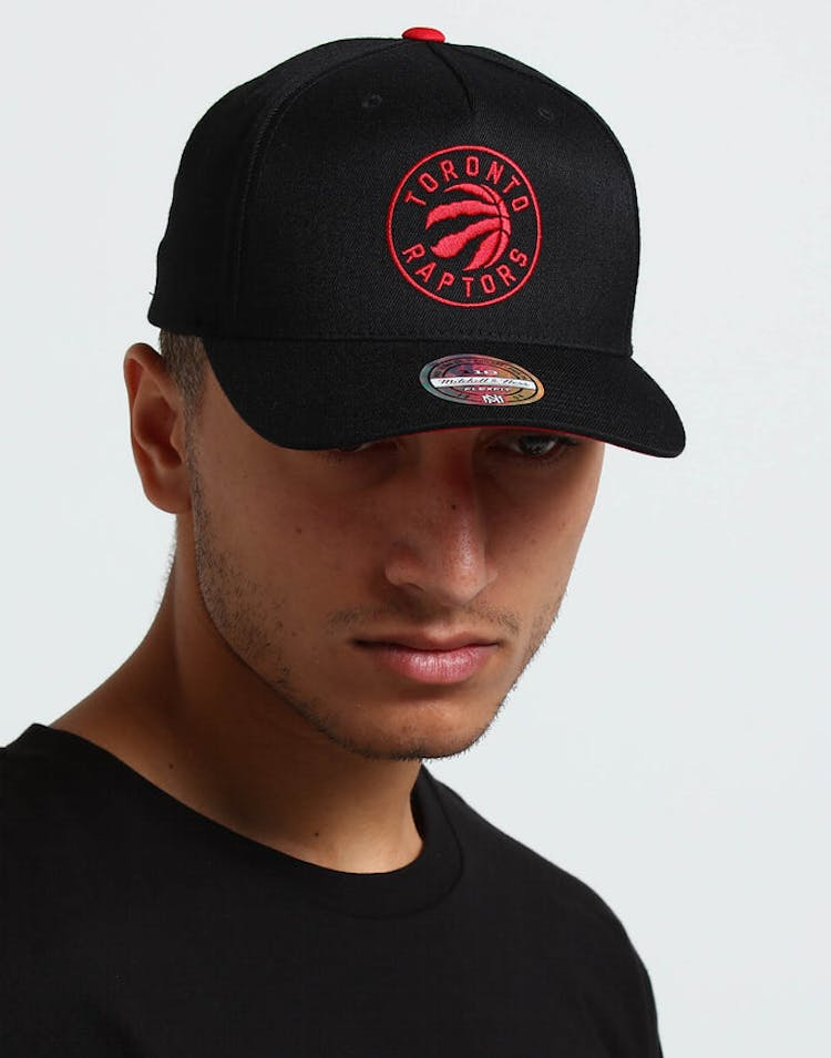 c5eadecff977b Mitchell   Ness Toronto Raptors Outline 110 Snapback Black Red – Culture  Kings