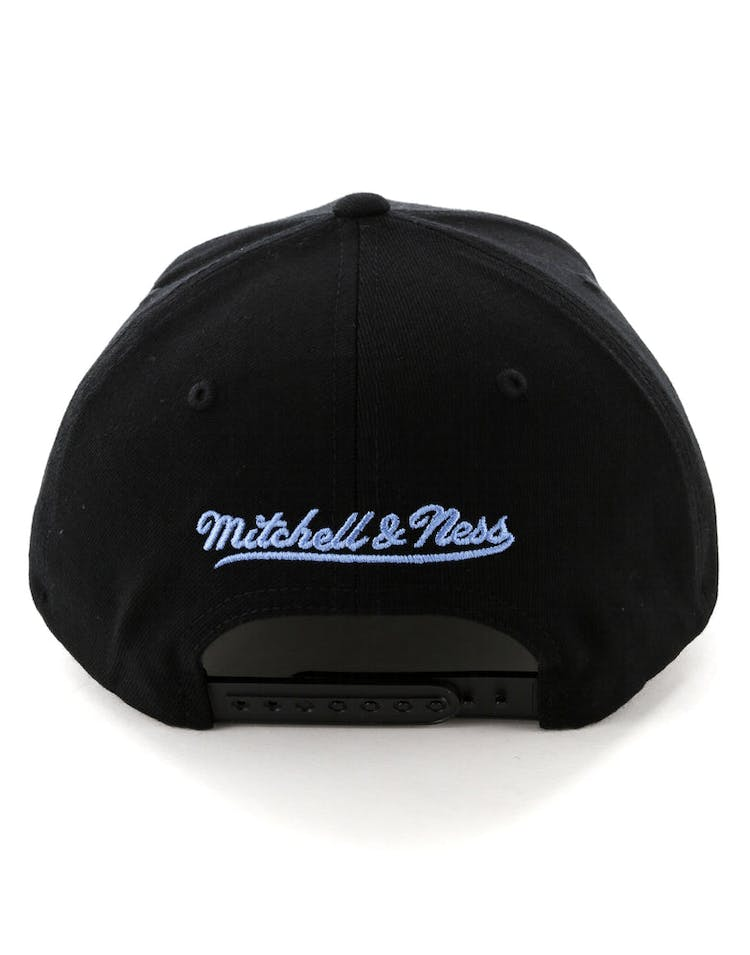 info for ca882 967c5 Mitchell   Ness Cleveland Cavaliers Metal Badge Pinch 110 Snapback Black