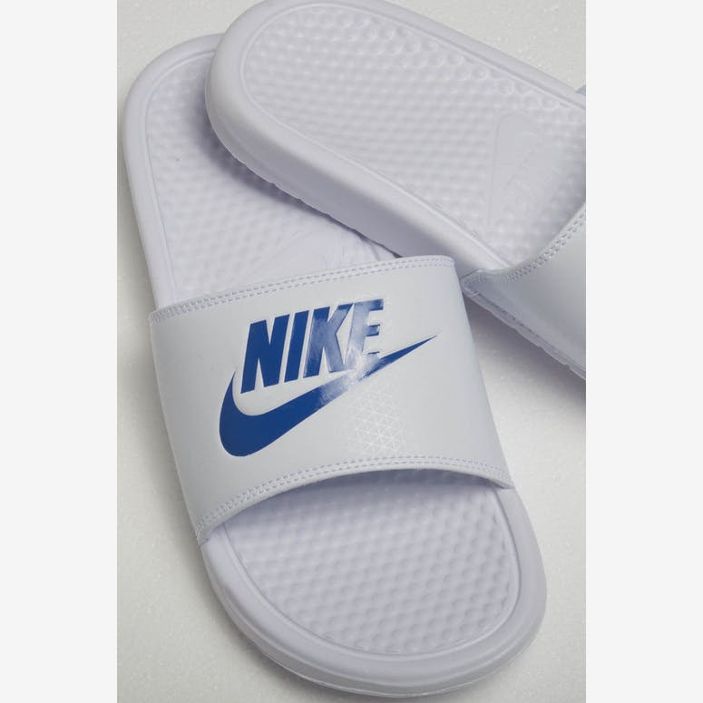 4b68153cdbffe6 Nike Benassi