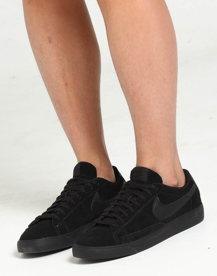 28a2325f641eaf Nike Blazer Low LE Black/Black/Black – Culture Kings