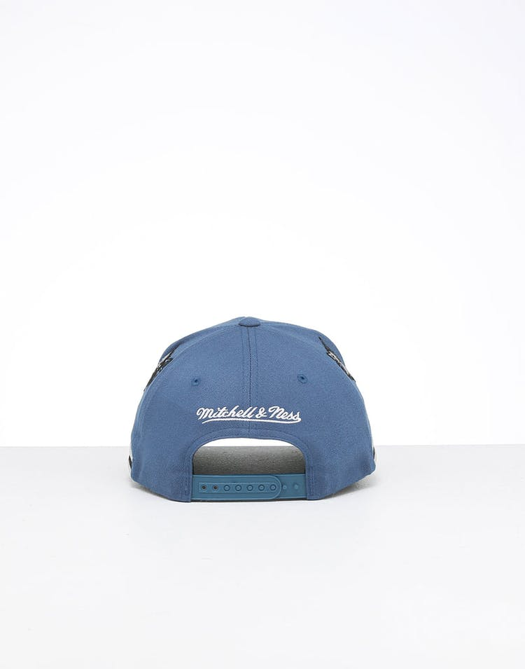 Mitchell & Ness Minnesota Timberwolves City 6 Panel 110 Flexfit Snapback Black