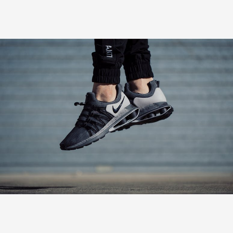 8f66df3bd6bdf5 Nike Shox Gravity Grey Black – Culture Kings