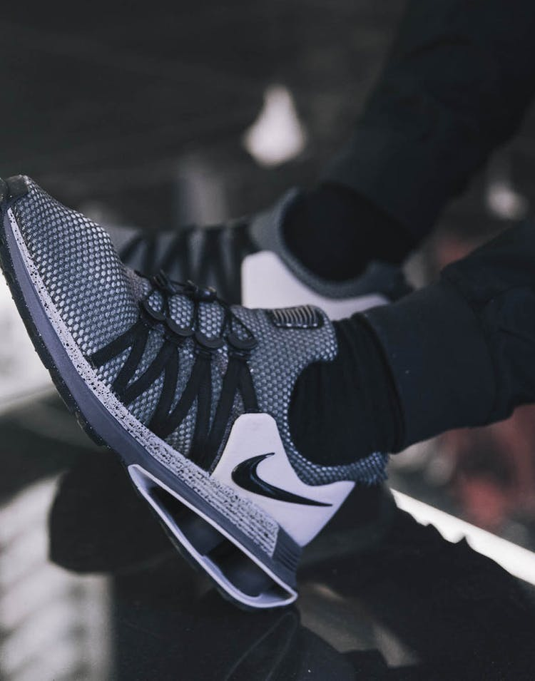 new arrival 55cd4 b4717 Nike Shox Gravity Grey Black