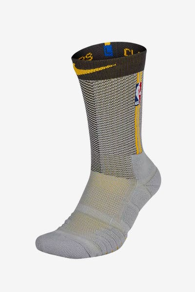official photos 02bbb fb439 Nike Cleveland Cavaliers Elite Quick Crew Sock Silver Gold
