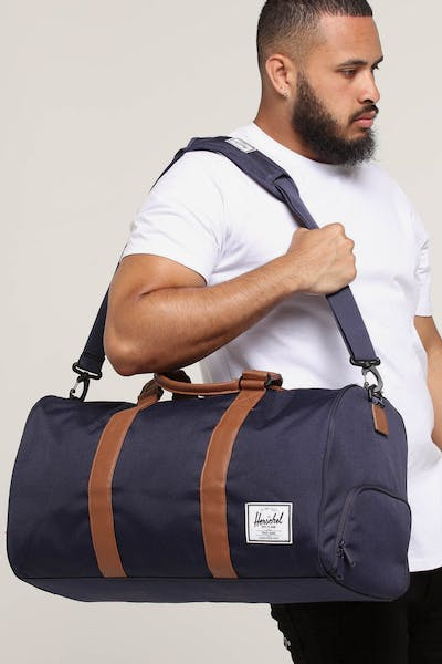 HERSCHEL BAG CO NOVEL DUFFLE Peacoat/Tan Faux