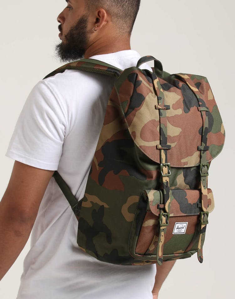 8af87ea839a HERSCHEL BAG CO Little America Backpack Woodland Camo – Culture Kings