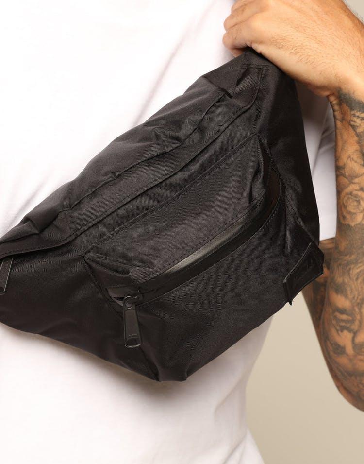 7cb70402881 Herschel Bag Co Seventeen Light Hipsack Black – Culture Kings