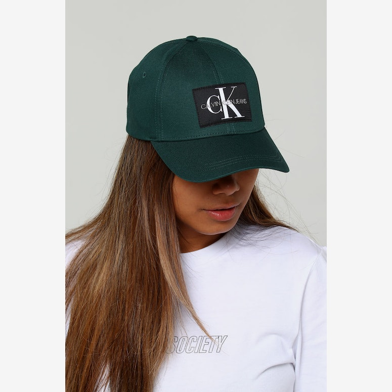 Calvin Klein Women's J Monogram Cap W June Bug