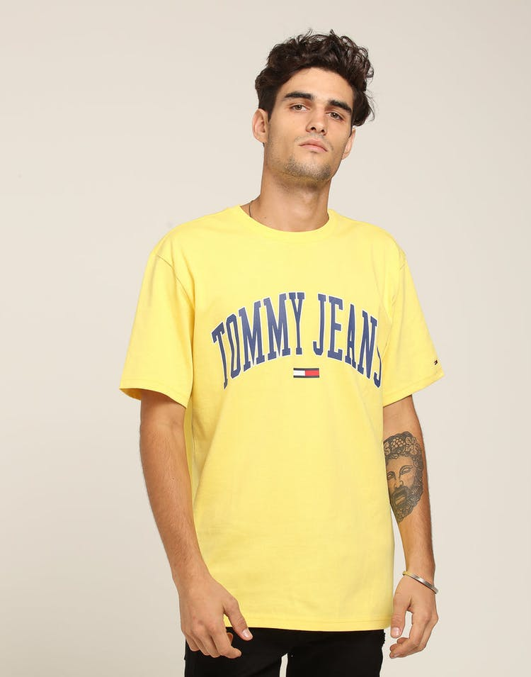 db93251c Tommy Jeans TJM Collegiate Logo Tee Gold – Culture Kings