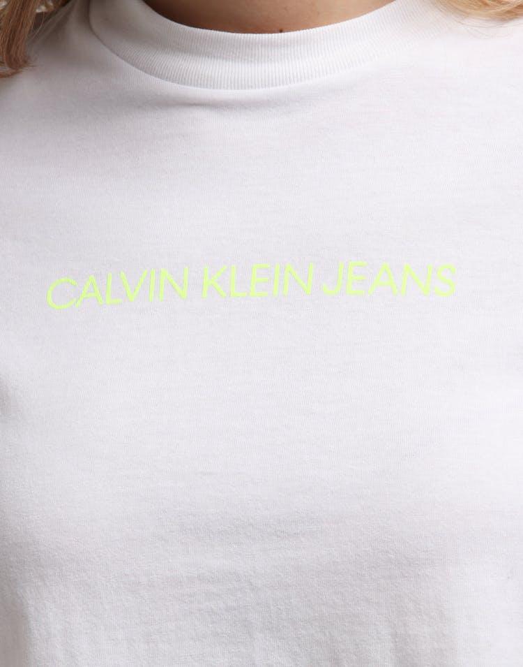a8c5a2e326 Calvin Klein Women's Shrunken Instit Crop SS White/Yellow