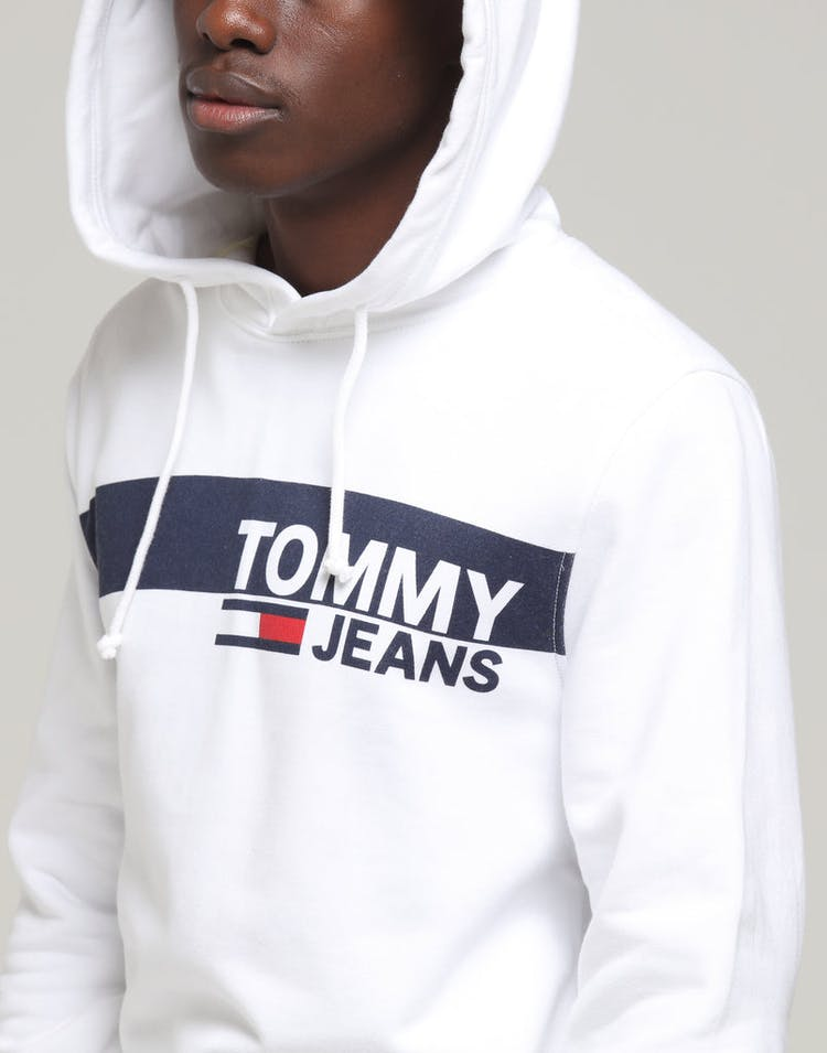 0893c954 Tommy Jeans TJM Essential Graphic Hoodie Classic White – Culture Kings