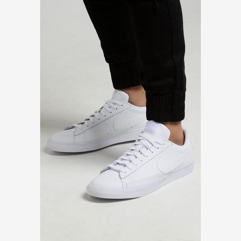 big sale 46e92 259ec Nike Blazer Low Le White White White – Culture Kings