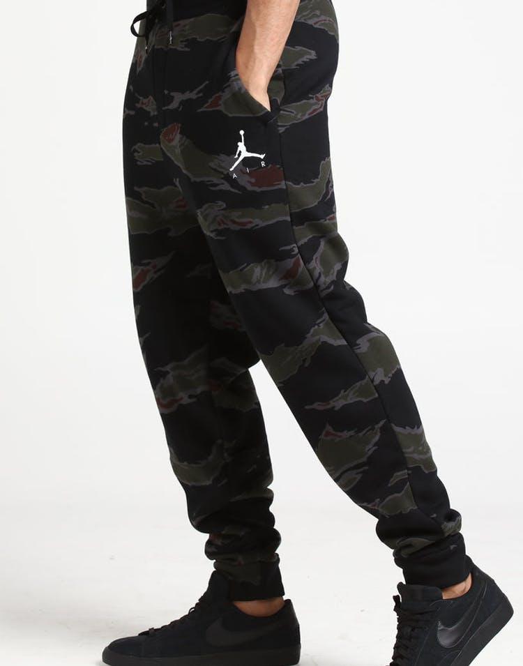 1d289aeaf8d4c8 Jordan Jumpman Fleece Camo Pant Black White – Culture Kings