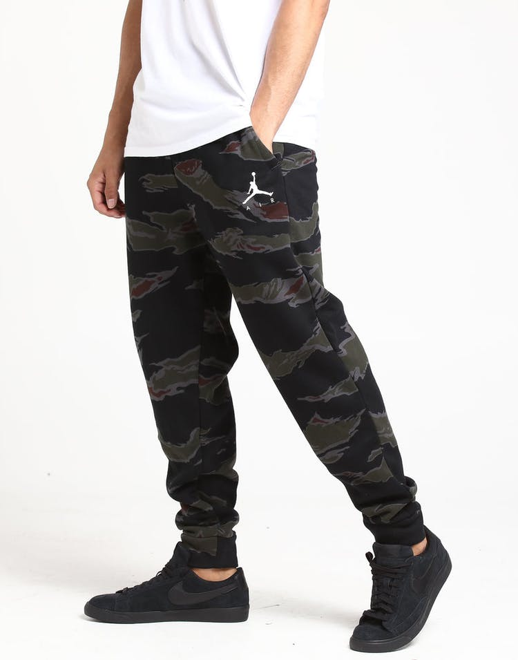ddb37e6afacb Jordan Jumpman Fleece Camo Pant Black White – Culture Kings
