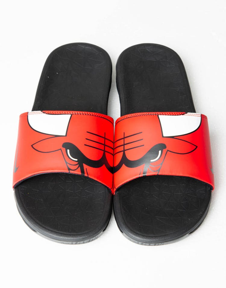 d7d2de00261 Nike Benassi Solarsoft NBA Slides Red White Black – Culture Kings