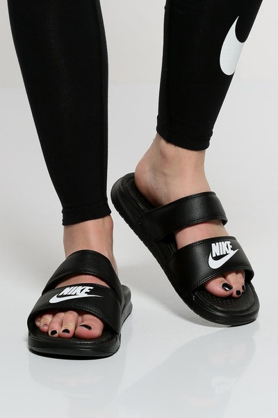 be18c5c444b0ef Nike Women s Benassi Duo Ultra Slide Black White