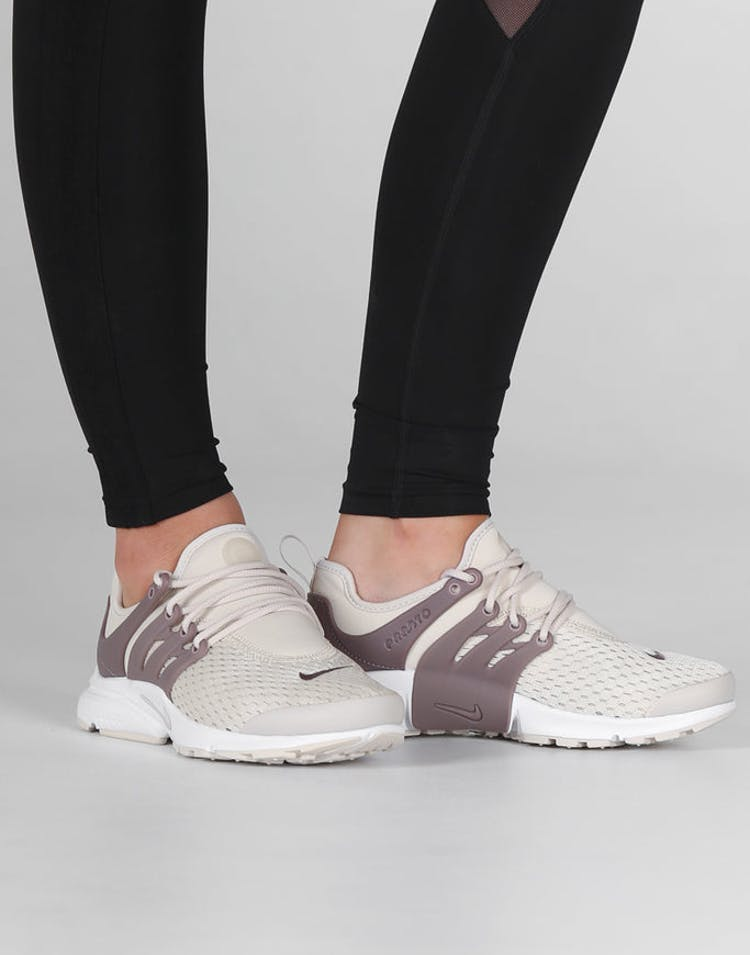 official photos 45a50 cd6f4 Nike Women's Air Presto Off White/Taupe