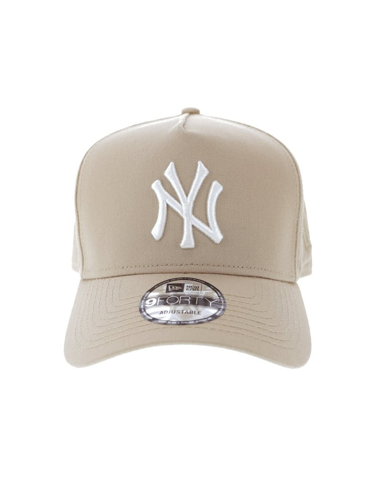 c25167a47a3b9 New Era New York Yankees 9FORTY A-Frame Snapback Camel White – Culture Kings