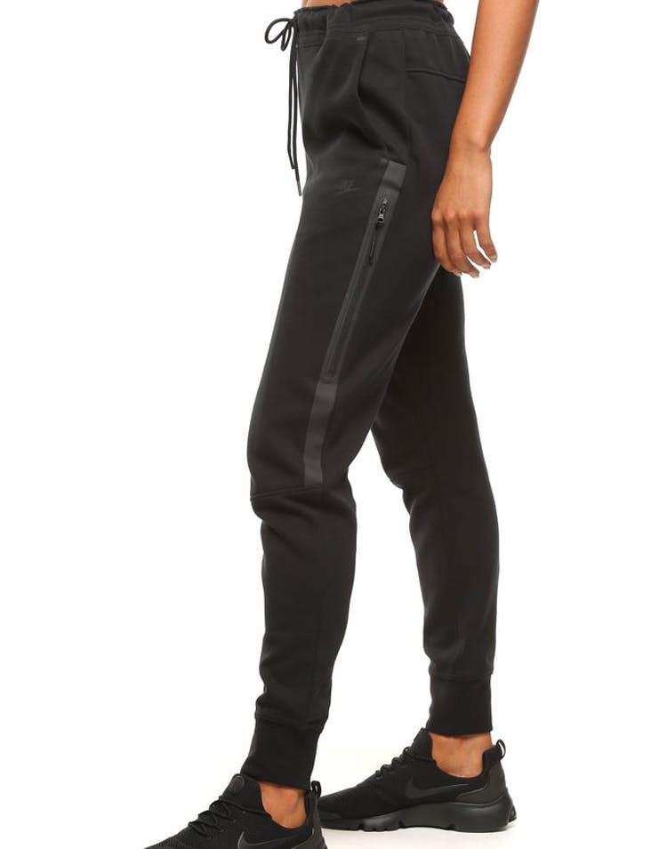 717539ba075a Nike Women s Tech Fleece Pants Black Black – Culture Kings