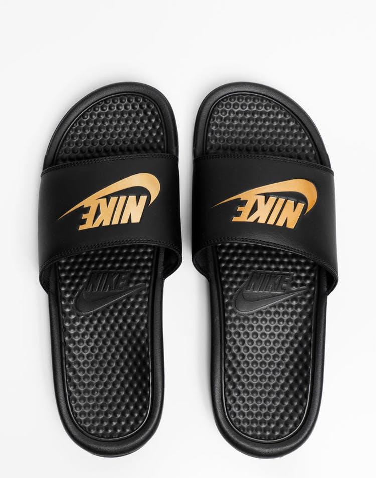 ee745e40733a Nike Benassi