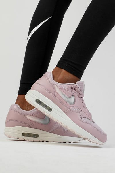 Nike Women's Air Max 1 JP Plum Chalk/Obsidian Mist