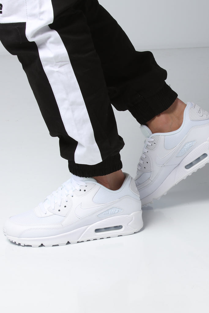 discount nike air max 90 essential white white b969b 707c1 95a42d050
