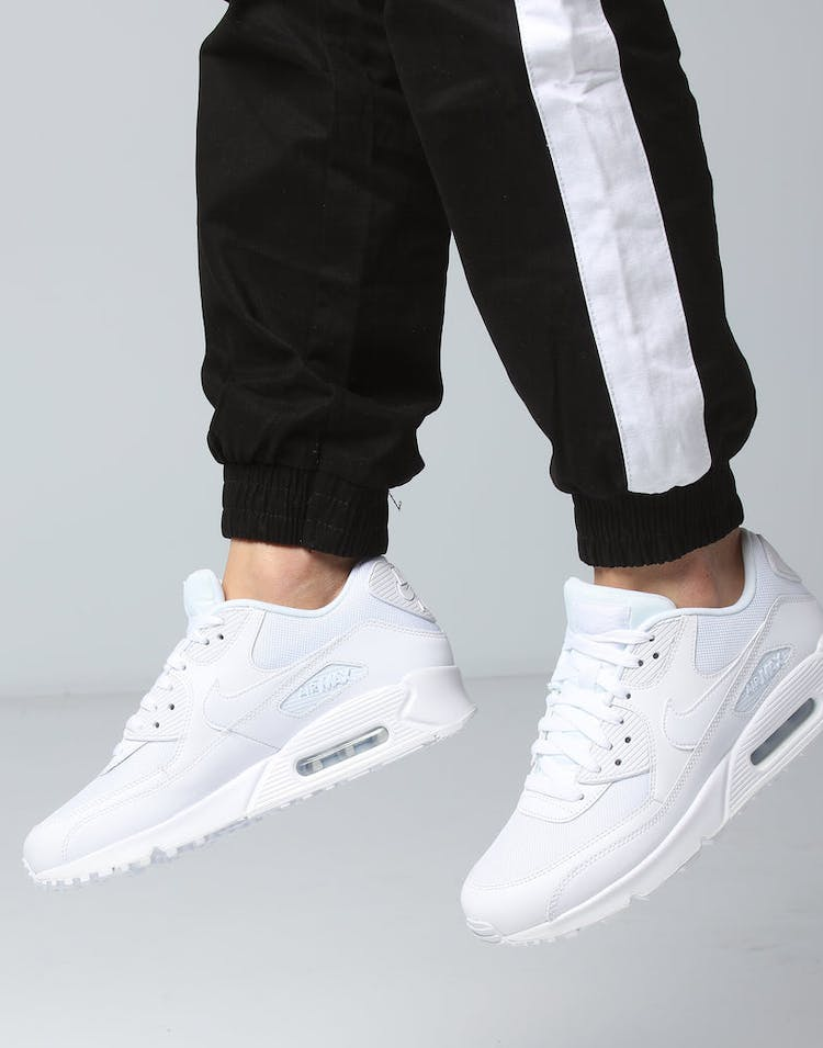 wholesale dealer 708d8 74fcf Nike Air Max 90 Essential White/White