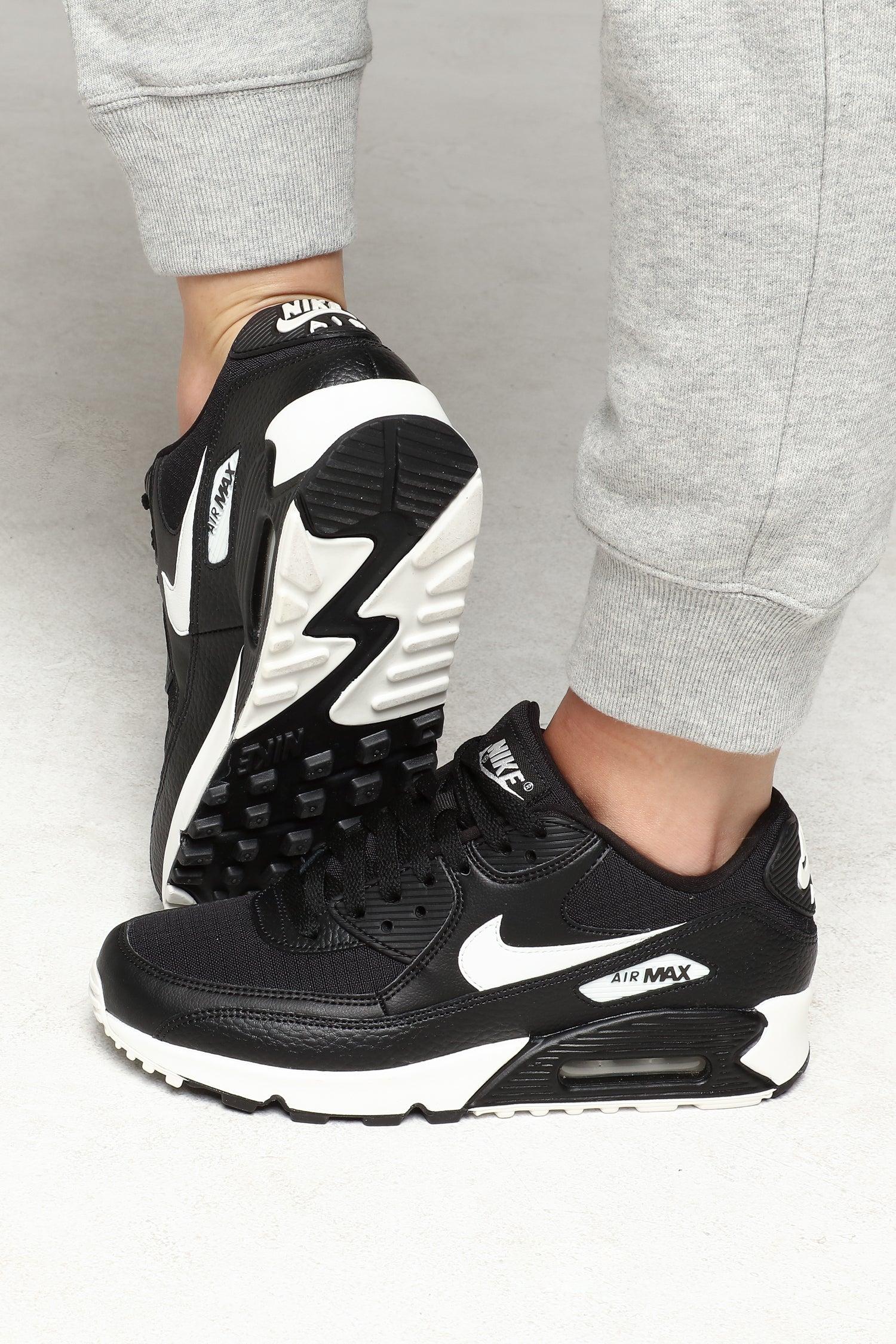 Nike Women's Air Max 90 BlackWhiteBlack