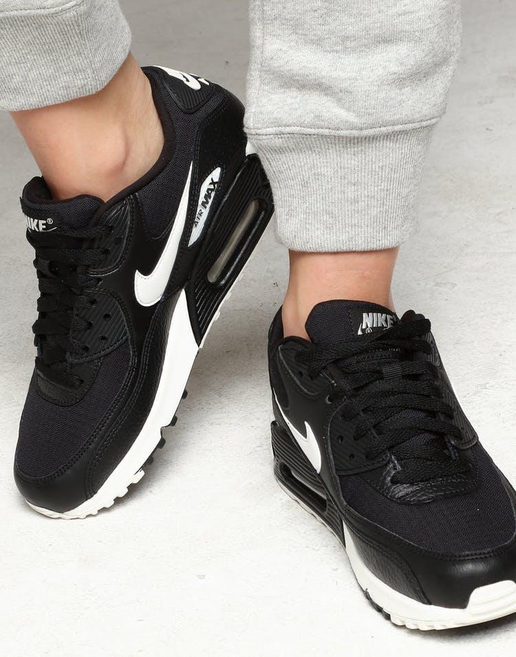 newest 8de9d db934 Nike Women s Air Max 90 Black White Black