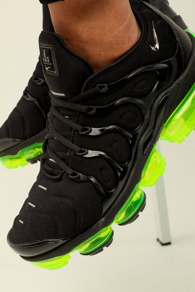 new styles b3321 43217 Nike Air Vapormax Plus Black Silver Volt