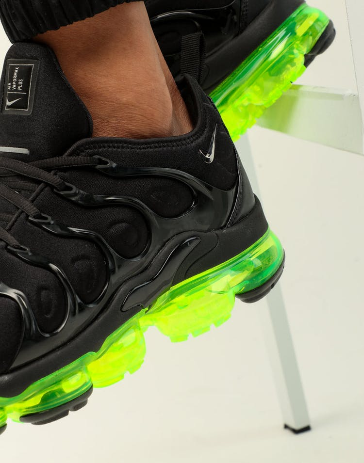 pretty nice a7fa1 a6851 Nike Air Vapormax Plus Black/Silver/Volt