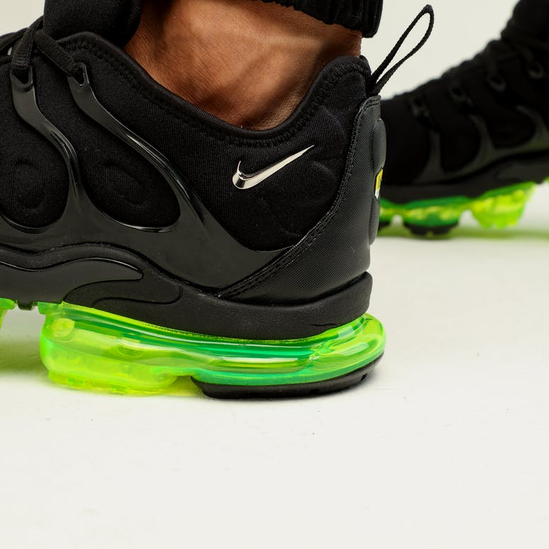Nike Air Vapormax Plus Black Silver Volt – Culture Kings d18864983