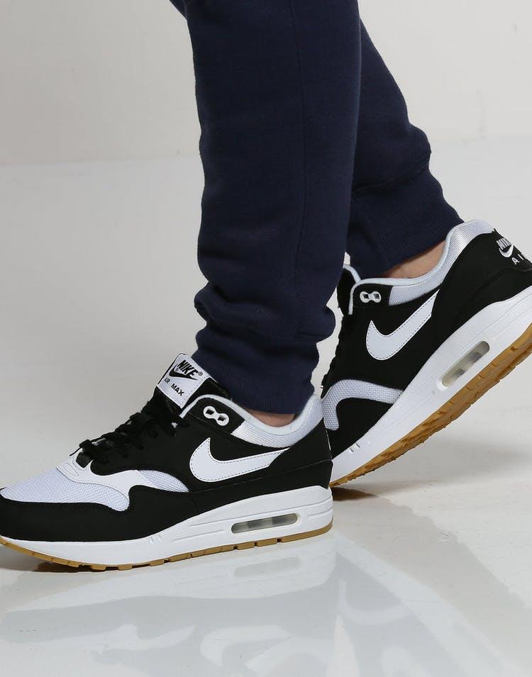 more photos f9e19 f4cf5 Nike Women s Air Max 1 Black White Gum