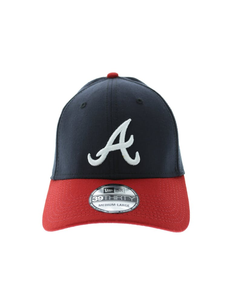 detailed pictures c67c4 3798f New Era Braves 3930 Fitted - Navy Scarlett