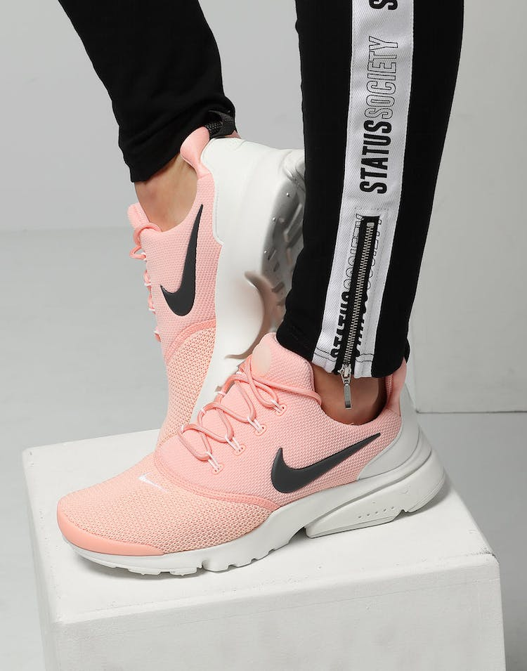 aab721edbfcec Nike Women s Presto Fly Pink Anthracite White – Culture Kings